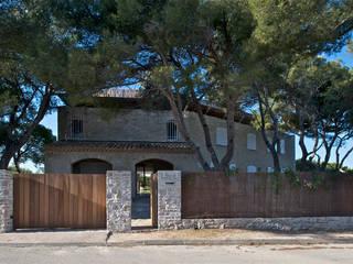 Maison Piscine, St Cyr sur Mer Maisons méditerranéennes par MOA architecture Méditerranéen