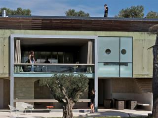 Casas de estilo mediterraneo por MOA architecture