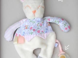 Doudou Plat -Lapin- doudou/peluche pour bébé, tissu recyclé, personnalisable:  de style  par likeyoudesign