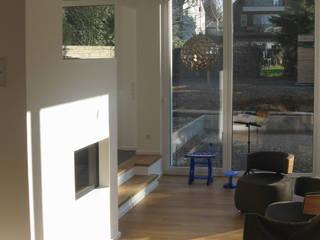STRICK Architekten + Ingenieure Living roomStools & chairs