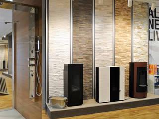 Allestimento showroom arredobagno: Negozi & Locali commerciali in stile  di Cristiano Bonesso+Partners