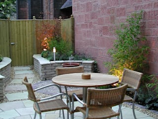 A small courtyard : modern  by Anne Macfie Garden Design, Modern