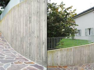 Dettagli esterni: Garage/Rimessa in stile  di STUDIO498 Architettura