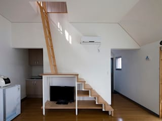 청산도 느린섬 여행학교: (주)오우재건축사사무소 OUJAE Architects의  주택