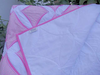Revers side of quilt:   by Lilliputquilts