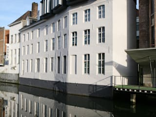 Office buildings by Alt Architectuur, Modern
