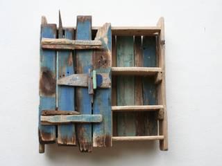 Driftwood wall cabinet van Julia's Driftwood Rustiek & Brocante