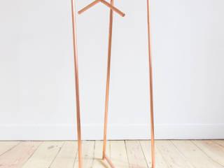 Portant en cuivre: Chambre de style  par Auguste & Claire