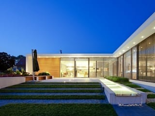House with ZERO Stairs by STOPROCENT Architekci