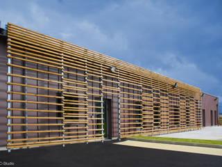 Centre de secours à Signes Locaux commerciaux & Magasin modernes par NAOM Moderne