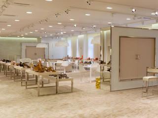 Espaces commerciaux modernes par Studio Perini Architetture Moderne