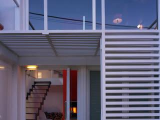 LA CASA NEL TUFO: Ingresso & Corridoio in stile  di ANDREA ROSSETTI architetto