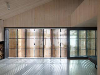 Lake Cabin Minimalist walls & floors by indiawhiteley Minimalist