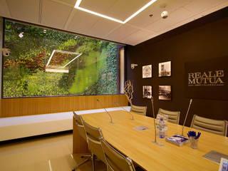 Sundar Italia per il palazzo Reale Mutua di Torino _ progetto Studio Kuadra Complesso d'uffici moderni di Sundar Italia Moderno