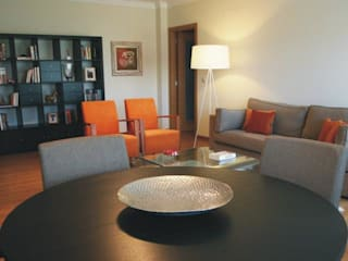 Apartamento c/ 2 quartos - Cacém, Sintra: Salas de estar  por Traço Magenta - Design de Interiores