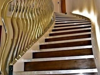 'Wave' sculptural balustrade in hand cast aluminium Zigzag Design Studio (Sculptural Structures) Koridor & Tangga Modern