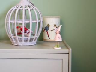 Une chambre de petite fille:  de style  par daisydacosta