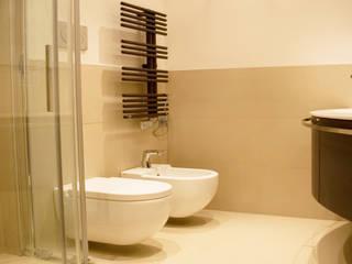 Kamar Mandi Modern Oleh studio di architettura cinzia besana Modern