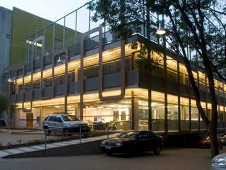 Academia Competition - unidade Paulista | Rua Cincinato Braga Espaços comerciais modernos por ARQdonini Arquitetos Associados Moderno