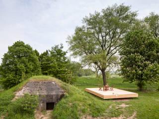 Bunker in Vuren (The Netherlands): industriële Huizen door B-ILD Architects