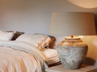 huis van strijdhoven Modern style bedroom