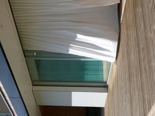 BBC ONE rdb architectes Balcon, Veranda & Terrasse minimalistes