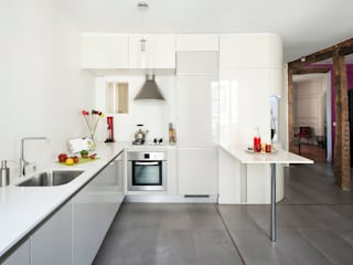 Kitchen by Bertina Minel architecture, Modern