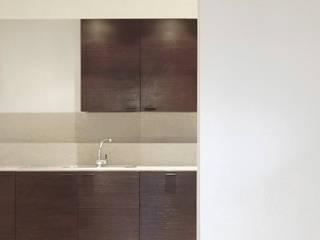 ARCABI ASSOCIATES Modern kitchen