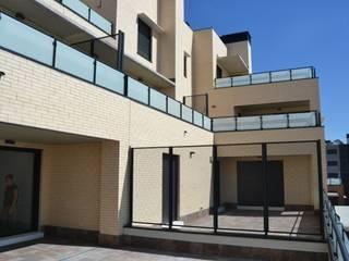 by ALIA, Arquitectura, Energía y Medio Ambiente Modern