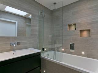 Bathroom Baños de estilo moderno de Temza design and build Moderno