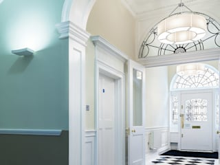 64 Harley Street Classic style corridor, hallway and stairs by Sonnemann Toon Architects Classic