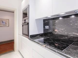 Kitchen Dapur Modern Oleh Temza design and build Modern