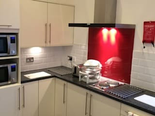 Kitchen remodelling:  Hotels by K and B installations