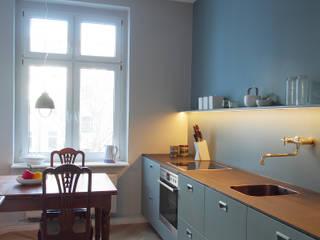 INTERIOR DESIGN & INNENAUSBAU Küche & Bad, Berlin Prenzlauer Berg (Fertigstellung 2015) Moderne Küchen von EINRAUMKONZEPT Modern