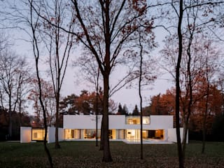 DM Residence:  Huizen door CUBYC architects