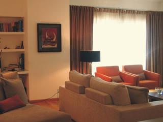 Apartamento c/ 2 quartos - Laranjeiras, Lisboa: Salas de estar  por Traço Magenta - Design de Interiores