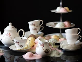 Alice Tea-set:   by Ali Miller