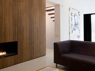 maison M&J, Tervuren: Salon de style  par bruno vanbesien architects