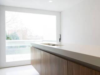 Keuken door bruno vanbesien architects, Minimalistisch