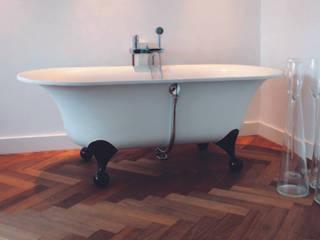 Eiken visgraat:  Badkamer door Pruysen Parket BV