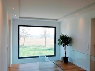 Skulpturale Faltwerktreppe Treppenbau Diehl Moderner Flur, Diele & Treppenhaus