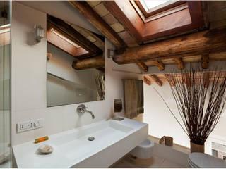 Badezimmer von Studio Fori
