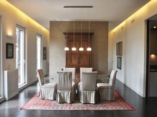ORTOBOTANICO: Sala da pranzo in stile in stile Minimalista di NeAr New Architecture