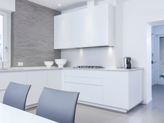 Minimalist kitchen by moovdesign Minimalist