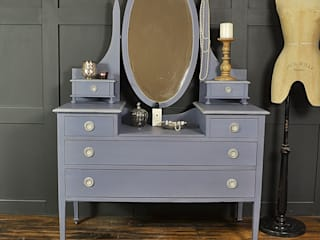 Edwardian Old Violet Dressing Table: classic Bedroom by The Treasure Trove Shabby Chic & Vintage Furniture