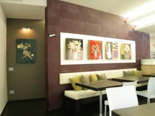Il Vicolo dei matti: Gastronomia in stile  di studio volino architetti