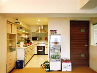 恵比寿の家 オリジナルデザインの キッチン の 株式会社エキップ オリジナル