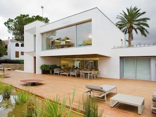 Modern houses by Jorge Belloch interiorismo Modern