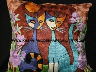 Rosina cat design silk cushioncovers Modern living room by kashmir modernart gallery Modern