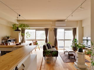 Modern living room by 株式会社スタイル工房 Modern